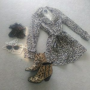 FOREVER 21/LEOPARD- DOUBLE BREASTED TRENCH/NEW